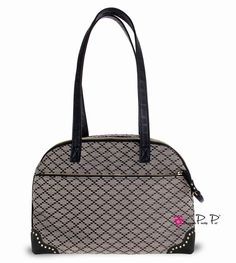 Sac Luxe Leather Pretty Pet noir https://www.cupofdog.fr/sac-transport-chihuahua-petit-chien-xsl-351.html