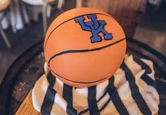 Kentucky beat South Carolina in football this weekend Justin and Lauren are married and we only have 18 days until Big Blue Madness.  // Amazing groom's cake by @tinkerscakeshop
