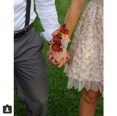 Cute prom picture idea.