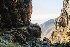 From leisurely rambles to invigorating coastal and mountain hikes, Cape Town abounds with magnificent hiking trails. These are the best hikes in Cape Town. Hiking Routes, Hiking Trails, Stairs Canopy, Christmas Stairs Decorations, Bathroom Under Stairs, Best Ladder, Cantilever Stairs, Building Stairs, Beautiful Stairs