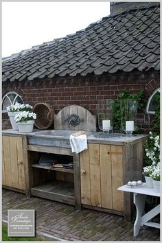 Lovely Outdoor Kitchen Relaxing Outdoor Kitchen Ideas for Happy Cooking & Lively Party Kitchen Garden Window, Garden Sink, Outdoor Kitchen Cabinets, Outdoor Kitchen Design, Outdoor Kitchens, Outdoor Life, Outdoor Rooms, Outdoor Gardens, Indoor Outdoor