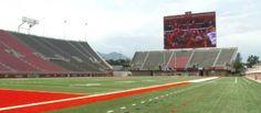 Un écran de $13,5 millions dans un stade universitaire http://www.ostadium.com/news/733?utm_source=pinterest