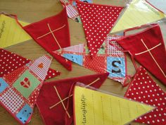 Sinterklaas slinger VAN BRIE Brie, December, Gift Wrapping, School, Gifts, Paper Wrapping, Presents, Wrapping Gifts, Schools