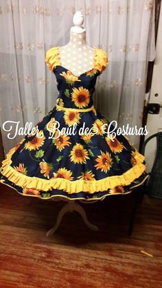 Vestidos de cueca Dance Outfits, Dance Dresses, Dress Outfits, Fashion Dresses, Cute Outfits, Pin Up Dresses, Dresses Kids Girl, Pretty Dresses, Churidhar Neck Designs