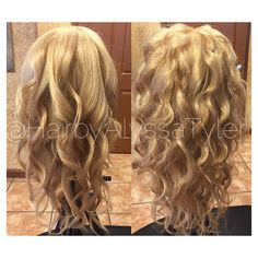 #MannequinMonday Inspiration  Styled by Alyssa Tyler Follow @HairbyAlyssaTyler on Instagram!   #mermaidhair #waves #hairstyle #blonde #guytang #curls #wand