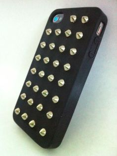 Iphone4 Spikes Cover .... fn amazing