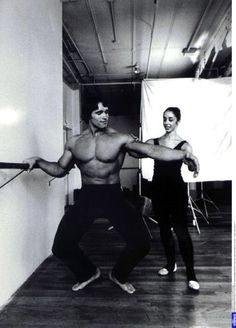 """Arnie in """"Pumping Iron"""" - During the training learned Schwarzenegger as he can in an elegant manner set his muscular body in the limelight."""