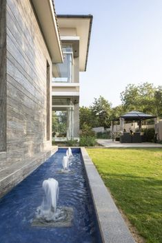A Mansion with Transparent Panoramic Corners | Utpal Trivedi and Associates - The Architects Diary