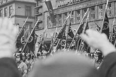 HANNOVER HANOVER   INNENSTADT Nazi Gautag 9.-12. juni 1938 i Hannover i Tyskland. Grupper av NSDAP på marsj.