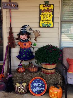 Witchy Halloween vignette