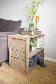 It's safe to say I am a big fan of farmhouse style, and this farmhouse crate end table is giving... #livingroomrefurbishing