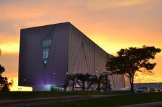 O Alício de Assunção fotografou o pôr-do-sol no Centro Cultural Univates. Ficou linda a imagem!