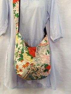 【着物リメイクショルダーバッグ】 | ハンドメイドマーケット minne Japan Bag, Modern Kimono, Japanese Kimono, Kimono Fashion, Handmade Bags, Evening Bags, Bag Making, Textiles, Handbags