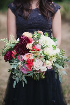 Ombre bouquet by Hey Gorgeous Events, photo by Marissa Maharaj
