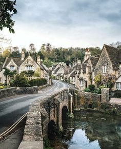 Castle Combe, The Cotswolds in England Beautiful Places To Visit, Oh The Places You'll Go, Ways To Travel, Places To Travel, Magic Places, Hello France, England, English Countryside, Travel Abroad