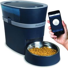 Dog Gadgets, Cool New Gadgets, Automatic Cat Feeder, Pet Camera, Dog Feeder, Cat Feeding, Healthy Pets, Food Bowl, Just In Case