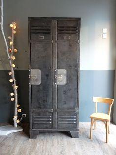 love old lockers, perfect storage in main bathroom