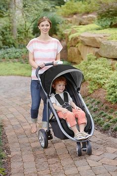 You'll love taking your baby with you everywhere with the Graco Click Connect Stroller Pierce. Designed with parents and children in mind, Cheap Baby Strollers, Baby Girl Strollers, Toddler Stroller, Running Strollers, Twin Strollers, Single Stroller, Double Strollers, Baby Prams, Jeep Stroller
