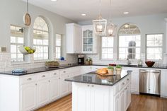 We& rounded up some of our all-time favorite kitchen transformations from HGTV& Fixer Upper, Property Brothers, Kitchen Cousins and more! Country Chic Kitchen, Modern Farmhouse Kitchens, Farmhouse Kitchen Decor, Home Kitchens, Farmhouse Style, White Farmhouse, Small Kitchens, Fixer Upper Kitchen, New Kitchen