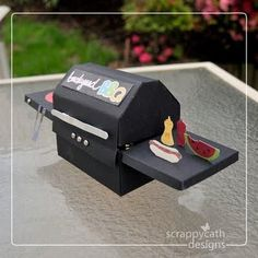 How to paper tutorial to make a 3D barbecue grill treat container/decoration.