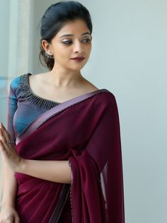 Latest Collection of Saree & Blouse Designs in the photo gallery. Saree & Blouse styles from India's Top Online 🛒Shopping Sites. Saree Jacket Designs, Half Saree Designs, Saree Blouse Neck Designs, Fancy Blouse Designs, Salwar Designs, Simple Saree Designs, Saree Blouse Patterns, Trendy Sarees, Stylish Sarees