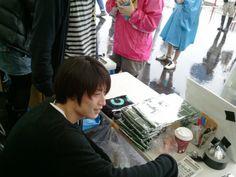[Champagne]白井眞輝2011/5/28 ただ今の物販店長/「ROCKS TOKYO 2011」@東京・若洲公園