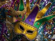 Today is Mardi Gras or Fat Tuesday . Mardi Gras or Carnivale , whatever you call it, is a great setting for Murder! Coffee Geek, Mardi Gras Beads, Mardi Gras Party, 40th Birthday Party Themes, Teen Birthday, 13th Birthday, Birthday Balloons, Birthday Decorations, New Orleans Mardi Gras