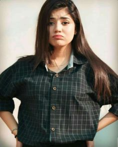 Cute Girl Poses, Cute Girl Photo, Girl Photo Poses, Girl Photography Poses, Cute Girls, Girl Pictures, Girl Photos, Beautiful Dresses For Women, Islamic Girl