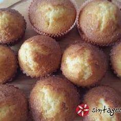 Βανίλια Cupcakes συνταγή από louzi - Cookpad Muffin, Breakfast, Food, Morning Coffee, Essen, Muffins, Meals, Cupcakes, Yemek