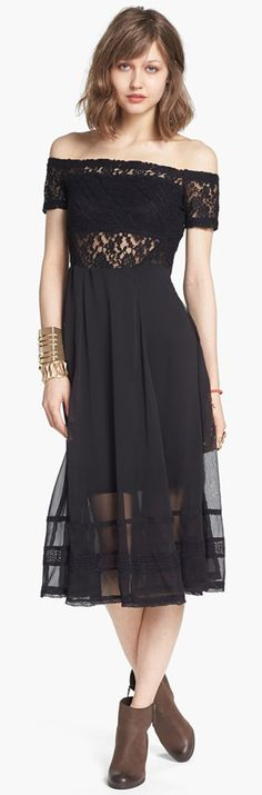 Free People black dress in hippie boho bohemian hippy feathers style. Check for more on pinterest.com/ninayay and stay positively #pinspired #pinspire