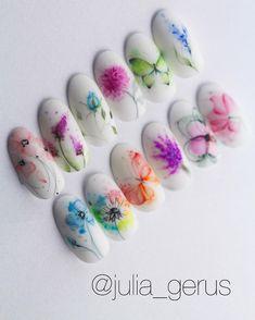 Effect camaleon Вензеля это вечная классика, способна превр #ネイル エフェクトカマレオン #モノグラム #永遠 #クラシック #回す #対応 Flower Nail Designs, Nail Art Designs, Cute Nails, My Nails, Nail Ink, Water Color Nails, Nail Effects, Floral Nail Art, Artificial Nails