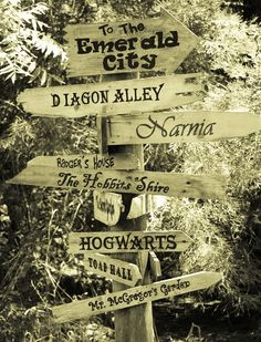 At the crossroads of fiction worlds... <3