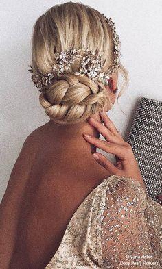 Ulyana Aster Long Bridal Hairstyles for Wedding #weddings #hairstyles #fashion #weddingideas ❤️ http://www.deerpearlflowers.com/wedding-hairstyles-from-ulyana-aster/