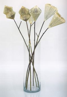 Blooms For The Shaw Sistersdiy paper flowers from booksI love these simple book flowers.images about book page craftsBy Denise Kiggan Folded Book Art, Paper Book, Book Folding, Paper Folding, Book Page Crafts, Book Page Art, Diy Paper, Paper Art, Paper Crafts