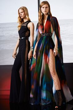 Colecciones: Elie Saab Resort 2018. Glamour al 100% !! Que vivan los colores y estampados! Preciosa colección!! ❤️ #coleccion #collection #resort2018 #eliesaab #style #fashion #beautiful #chic #fashionista #glamour #fashionblog #designer #design #details #inspiration