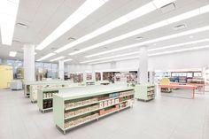jean-lessard-architects-uniprix-pharmacy-montreal-designboom-02