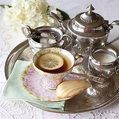 Tea Time (with French madeleines) ~ Ana Rosa. Silver Tea Set, Tea Culture, Tea Tray, My Cup Of Tea, Tea Service, Food Presentation, High Tea, Afternoon Tea, Tea Pots