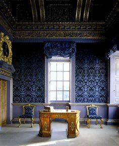 Chiswick House, London, The Blue Velvet Room showing a library table with rounded ends and two tapestry chairs. Chiswick House is a Palladian villa which was built in for the Earl. Velvet Room, Blue Velvet, British Architecture, Interior Architecture, Interior Exterior, Interior Design, Palace Interior, Library Table, Le Palais