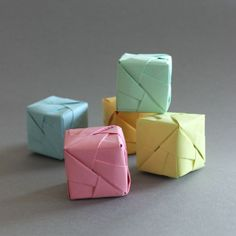 Origami Cube Sonobe Style for decoration and celebration, tutorial in German with images.