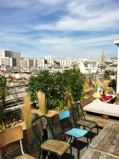14 rue Crespin du Gast (étages : 6-7), 75011 Paris, 01 48 06 18 48+33 (0)1 48 06 18 48#Paris #restaurant #bar