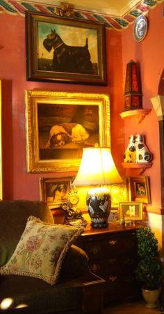 English cottage living room..
