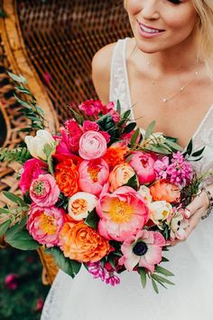 Colorful and classy Palm Springs wedding at Bougainvillea Estate Junebug W . - Colorful and classy Palm Springs wedding at Bougainvillea Estate Junebug W … – Wedding – - Wedding Flower Guide, Summer Wedding Bouquets, Flower Bouquet Wedding, Floral Wedding, Bridal Bouquets, Spring Flower Bouquet, Peach Bouquet, Summer Wedding Centerpieces, Summer Bridesmaid Dresses