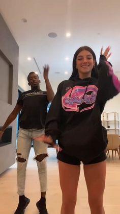 Dance Moms Videos, Dance Music Videos, Dance Choreography Videos, Funny Video Memes, Funny Short Videos, Gymnastics Videos, Charlie Video, Cool Dance, Famous Girls