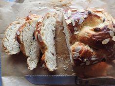 Vianočka – najlepšia akú sme kedy jedli Sweet Recipes, Catering, Bakery, Bread, Food, Buns, Sisters, Hampers, Kitchens