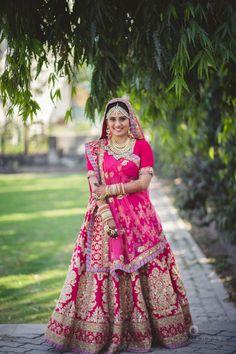 Bridal Wear - The Regal Bride! Photos, Hindu Culture, Gold Color, Bridal Makeup, Mangtika, Antique Jewellery pictures, images, WeddingPlz