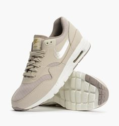 Nike Air Max Essential Beige