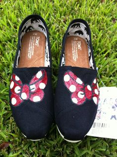 Minnie Bows by AshleysPaintedToms on Etsy, $95.00