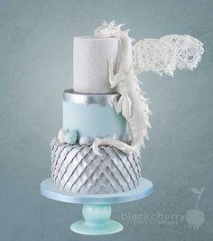 wedding cakes black Game of Thrones dragon wedding cake from Black Cherry Cake Company Game Of Thrones Kuchen, Game Of Thrones Cake, Game Of Thrones Dragons, Game Thrones, Game Of Thrones Birthday Cake, Pretty Cakes, Cute Cakes, Beautiful Cakes, Amazing Cakes