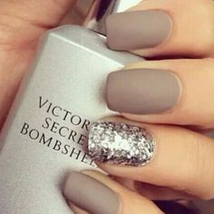Generally, people thought nail art can be possible on long nails But actually, it's not so! Simple nail art designs for short nails are not only popular Nail Art Designs 2016, Diy Nail Designs, Simple Nail Art Designs, Short Nail Designs, Shellac Nails, Matte Nails, Diy Nails, Acrylic Nails, Silver Glitter Nails