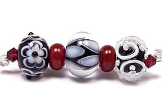 Lampwork beads handmade by glass artist Kandice Seeber - Lampwork.net